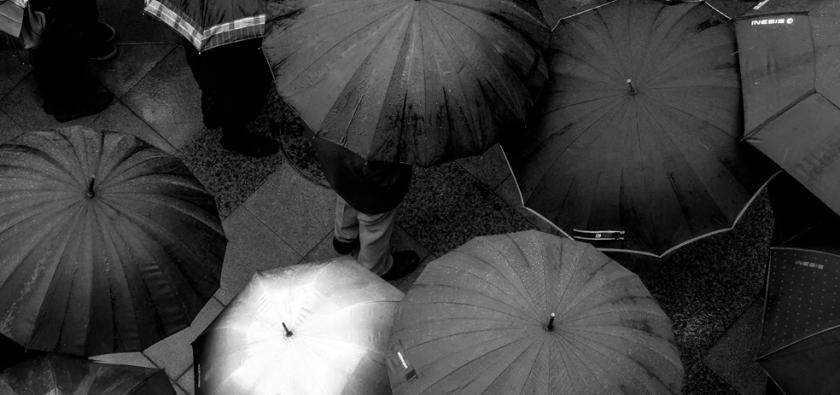 Protesting in the torrential rain over low pension increases. Jerez de la Frontera